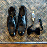 shoes, tie
