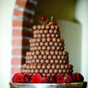 wedding cake, chocolate balls