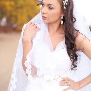 hairpins, veil, earrings
