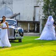 car, veil, wedding dress