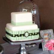 2 tier cake, brown, green, two tier cake, white