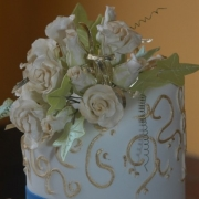 cake, floral accents, gold, white