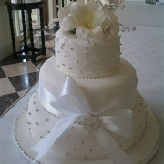 3 tier cake, silver, three tier cake, white
