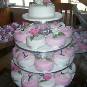 floral accents, petit fours, pink, white